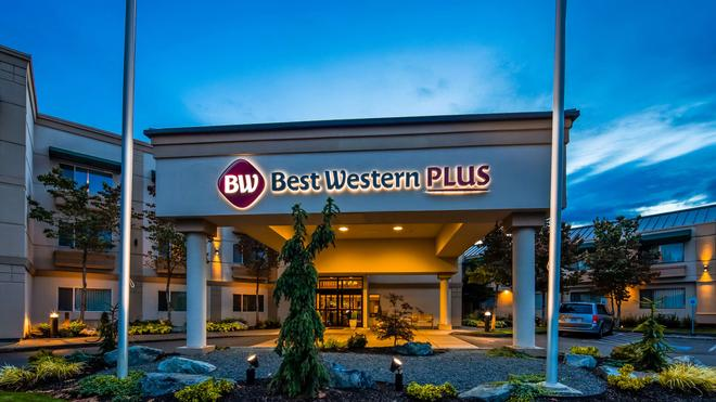 Best Western Plus Edmonds Harbor Inn - Edmonds - Building