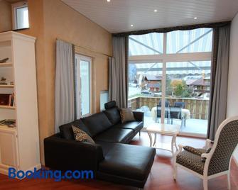 Toni's Alpine Loft - Kandersteg - Living room
