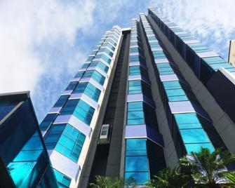 Bahamas Suite Hotel - Campo Grande - Building