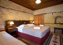 Hotel Kalemi 2 - Αργυρόκαστρο - Κρεβατοκάμαρα