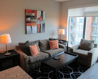 Ovation at Park Crest by Bridgestreet - McLean - Living room