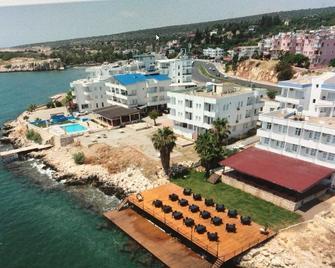 Hotel Can - Erdemli - Outdoors view