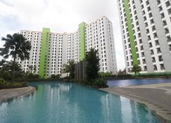 RedDoorz Apartment @ Green Lake View Ciputat - South Tangerang City