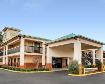 Rodeway Inn - Laurel - Building