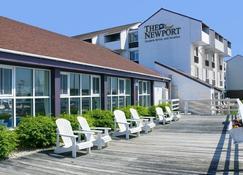 The Newport Harbor Hotel & Marina - Newport - Balcón