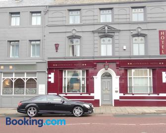 Jeffersons Hotel & Apartments - Barrow-in-Furness - Building
