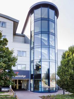 Travelodge Guildford - Guildford - Building