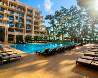 Georgia Palace Hotel & Spa - Kobuleti - Pool