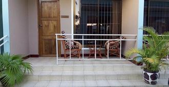 Mara Courtyard Lodge - Dar es Salaam