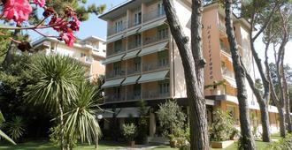 Albergo Mediterraneo - Marina Di Pietrasanta - Edificio