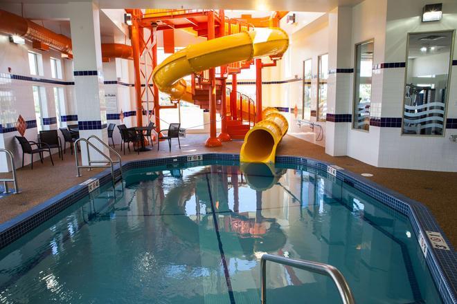 Best Western Plus Service Inn & Suites - Lethbridge - Uima-allas