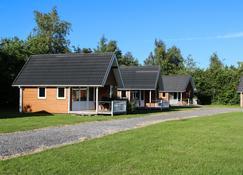 Lægårdens Camping - Fakse Ladeplads - Building