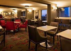 Delta Hotels by Marriott Winnipeg - Вінніпег - Restaurant