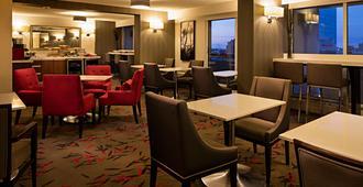Delta Hotels by Marriott Winnipeg - וויניפג - מסעדה