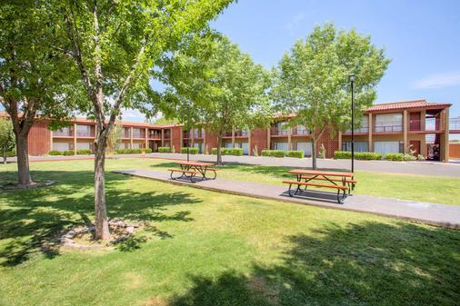 Best Western Mission Inn - Las Cruces - Building