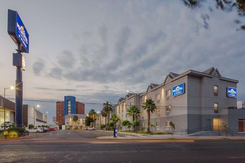 Microtel Inn & Suites by Wyndham Culiacan - Culiacán - Toà nhà