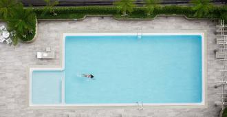 Bu Place Hotel - Bangkok - Pool