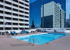 Delta Hotels by Marriott Winnipeg - Winnipeg - Pool