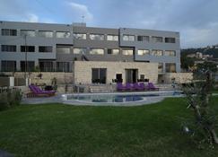 Vu'z Hotel Apt - Byblos - Gebouw