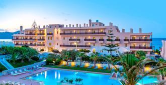 Santa Marina Beach - La Canea - Edificio