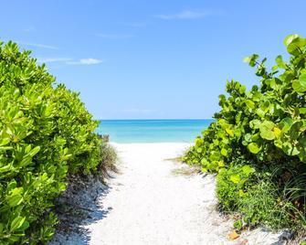 Anna Maria Island Inn - Bradenton Beach - Strand