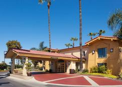 La Quinta Inn By Wyndham Costa Mesa Orange County - Costa Mesa - Building