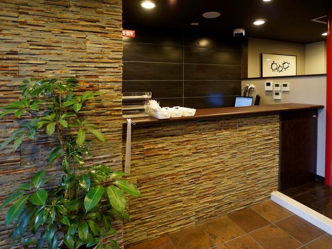 Capsule Hotel B&s Eco-Cube Shinsaibashi - Osaka - Front desk