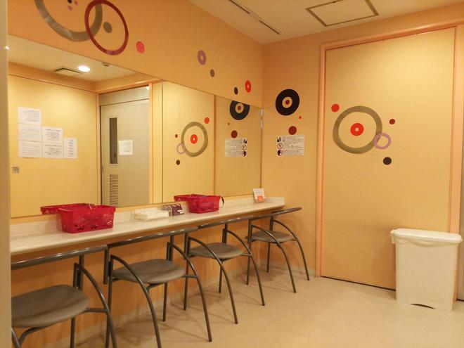 Capsule Hotel B&s Eco-Cube Shinsaibashi - Osaka - Dining room
