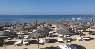 Hotel Baia Del Sole - Ragusa - Strand