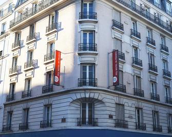 Hôtel Boris V. By Happyculture - Леваллуа-Перре - Building