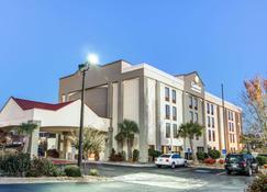 Comfort Inn & Suites Athens - Athens - Gebäude