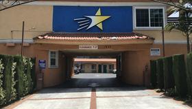 Starlight Inn La Brea - Los Angeles - Bâtiment