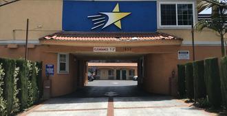 Starlight Inn La Brea - לוס אנג'לס - בניין