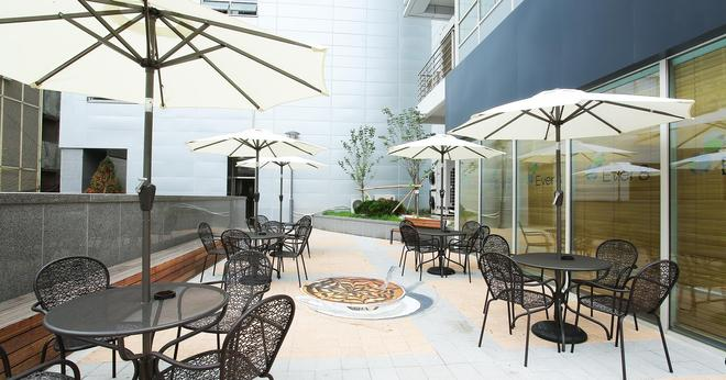 Shinchon Ever8 Serviced Residence - Soul - Patio