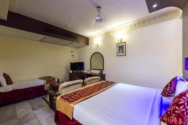 Bhimaas Temple Tree Hotel - Chennai - Bedroom