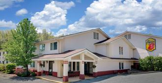 Super 8 by Wyndham Newburgh/West Point Near Stewart Airport - Newburgh