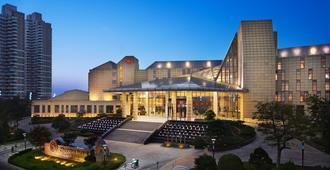Sheraton Yantai Golden Beach Resort - יאנטאי