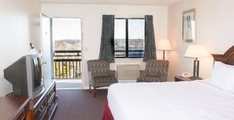 Hawk's Nest Lodge - Osage Beach - Bedroom