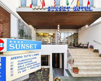 Hotel Sunset - Rimini - Building