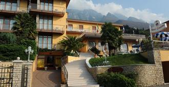 Hotel Cristallo - Malcesine - Edificio