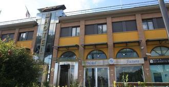Hotel Futura Centro Congressi - Casoria