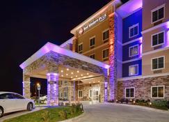 Best Western PLUS Tech Medical Center Inn - Lubbock - Building