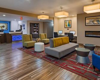 Best Western Plus Mansfield Inn & Suites - Mansfield - Lounge