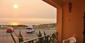 Supertubos Beach Hostel - Peniche - Balcony