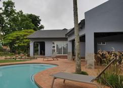 Ilanda Guest House - White River - Pool