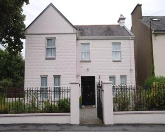 Glenart House - Tramore - Building