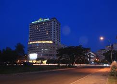 بورنيو رويال هوتل - تاواو - مبنى