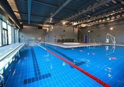 Village Hotel Portsmouth - Portsmouth - Bể bơi