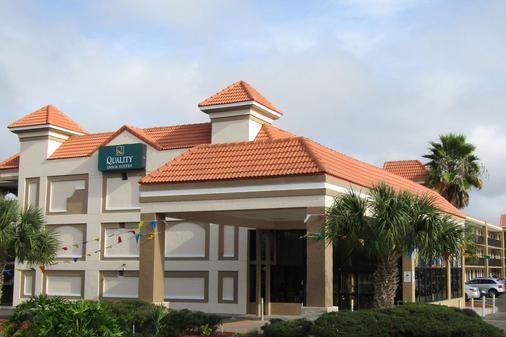 Quality Inn & Suites Kissimmee by The Lake - Kissimmee - Rakennus