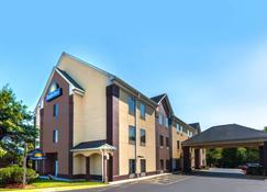 Days Inn by Wyndham Manassas - Manassas - Edificio